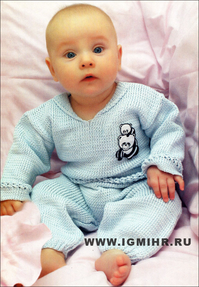 Голубой костюмчик для малыша: кофточка и штанишки. Спицы