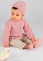 Для малышки в возрасте до 6 месяцев. Розовый кашемировый жакет и шапочка. Спицы