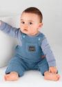 Для малыша в возрасте до 12 месяцев. Голубой комбинезон с кармашком. Спицы