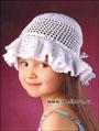 Белая летняя шляпка с волнистыми полями для девочки. Крючок