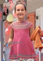 Для девочки 2-8 лет. Ярко-розовая туника с круглой кокеткой. Спицы