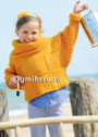 Для девочки 4-10 лет. Желтый шерстяной пуловер, дополненный объемным шарфом-петлей. Спицы