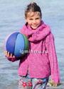 Для девочки 4-10 лет. Теплый комплект цвета фуксии с рельефным узором: пуловер и шарф-петля. Спицы