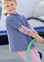 Для девочки 2-8 лет. Туника с рельефным узором косы листочками. Спицы