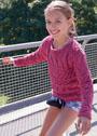 Для девочки 8-13 лет. Малиновый пуловер с комбинацией узоров. Спицы