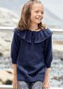 Для девочки 2-6 лет. Темно-синий пуловер с широким воланом. Спицы