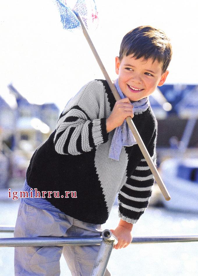 Пуловер в серебристо-черную диагональную полоску, для мальчика 3-9 лет, от Verena. Спицы