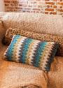 Чехол для подушки с разноцветными зигзагами. Спицы