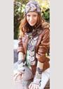Романтический комплект модных аксессуаров. Шапочка, шарф и митенки из веерных мотивов. Крючок
