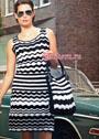 Черно-белое летнее платье с узорами миссони и контрастными полосами, дополненное сумкой. Крючок