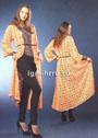 Длинное пальто нежного абрикосового цвета, из мотивов. Крючок