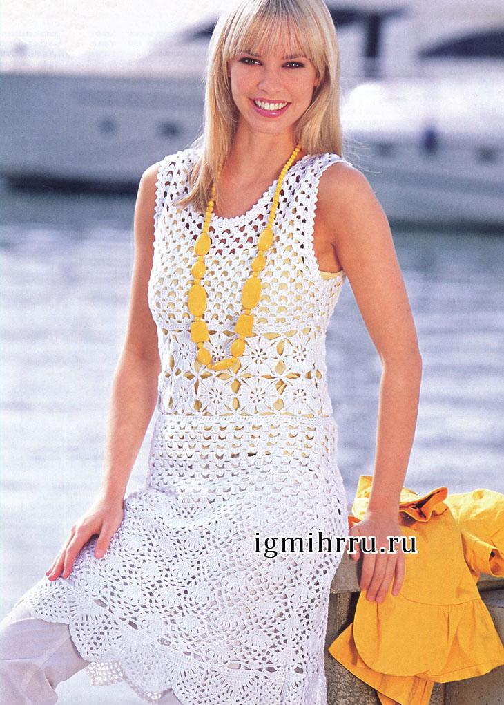 Белое летнее платье с миксом выразительных узоров. Вязание крючком