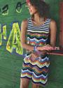 Летнее разноцветное платье с полосками и зигзагами. Крючок