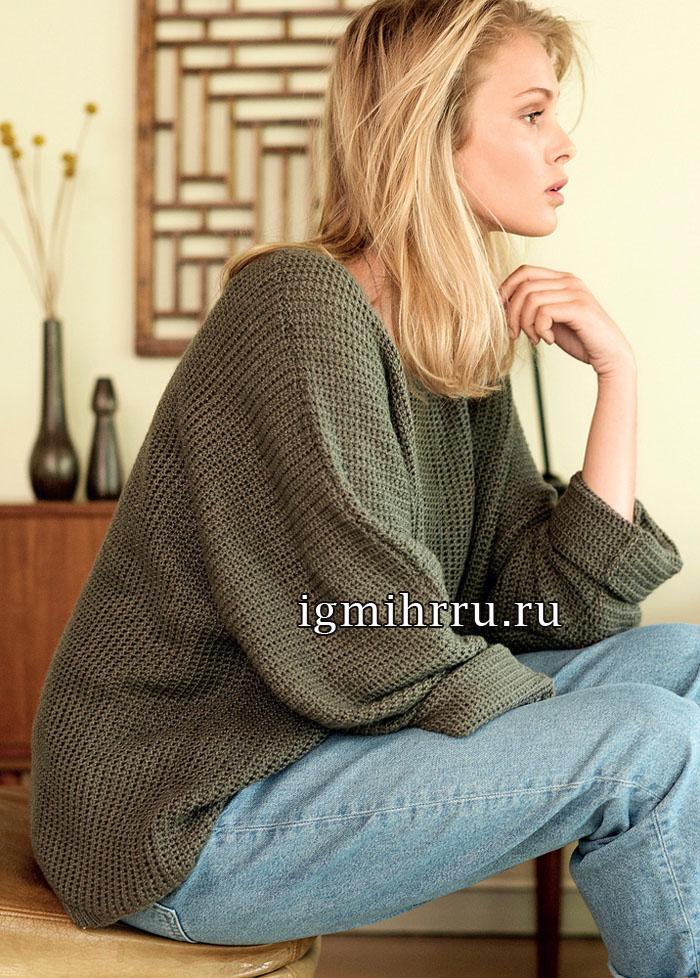 Свободный пуловер цвета хаки, с узором из двойных петель. Вязание крючком