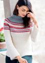 Белый пуловер с цветной кокеткой и воротником-стойкой. Крючок