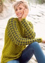 Теплый пуловер с двухцветными рукавами. Крючок