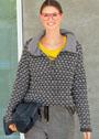Двухцветный теплый пуловер со шнуровкой. Крючок