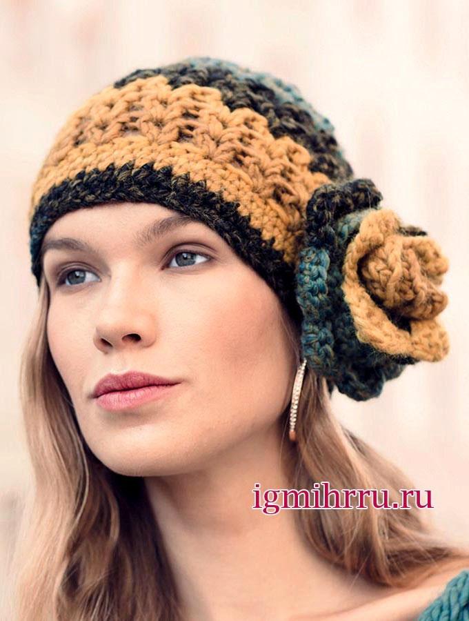 Разноцветная шапочка с пристегивающимся цветком-брошью. Вязание крючком