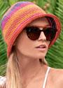 Яркая летняя шляпка с узкими полями. Крючок