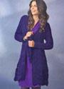 Длинный фиолетовый жакет с ажурным узором. Спицы