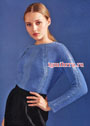 Светло-синий пуловер со сквозным узором. Спицы