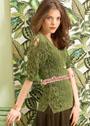 Оливково-зеленый пуловер с узорами из листьев и шнуровкой на рукавах. Спицы