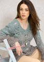 Женственный трехцветный пуловер с ажурным узором. Спицы