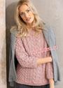 Розовый пуловер с узорами из кос и сот. Спицы