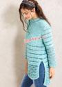 Голубой пуловер из пушистой пряжи, с удлиненной спинкой. Спицы