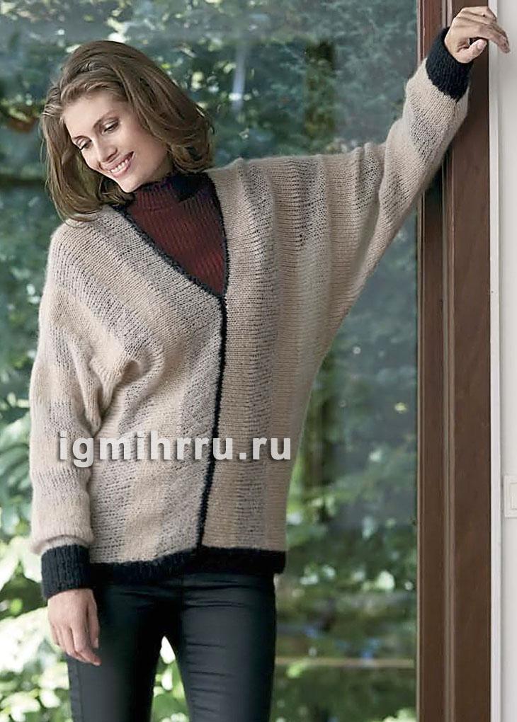 бежевый теплый пуловер с рукавами летучая мышь связанный поперек