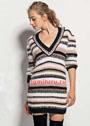 Удлиненный пуловер в разноцветную полоску. Спицы