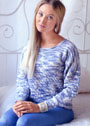 Пуловер в сине-белых тонах с ажурным узором. Спицы