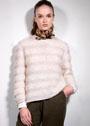 Светлый пуловер из разных видов пряжи. Спицы