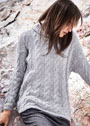 Пуловер с узором из кос и капюшоном. Спицы