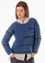 Пуловер с ребристым узором и вышивкой. Спицы