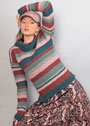 Теплый пуловер со структурным узором в полоску. Спицы
