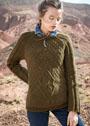 Темно-оливковый пуловер с диагональными узорами. Спицы