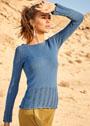 Голубой пуловер с широкими ажурными планками. Спицы