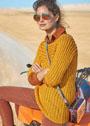 Золотисто-желтый пуловер с узором из мелких косичек. Спицы
