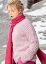 Нежно-розовый пуловер с рельефными узорами. Спицы
