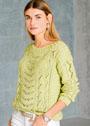 Летний пуловер с волнистым узором и косами. Спицы