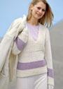 Светлый пуловер простой вязки с контрастными вставками. Спицы