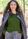 Оливково-зеленый пуловер с косами и капюшоном. Спицы