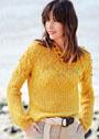Желтый пуловер с ромбовидным узором из шишечек. Спицы