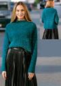Пуловер прямого силуэта, из фасонной пряжи цвета морской волны. Спицы