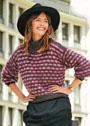 Трехцветный пуловер с узором из снятых петель. Спицы