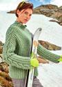 Зеленый пуловер с рельефной резинкой и косами. Спицы