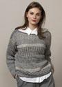 Двухцветный пуловер с жаккардовым и рельефными узорами. Спицы