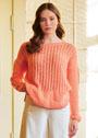 Абрикосовый пуловер с дырчатыми полосами. Спицы