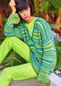 Трехцветный пуловер в зеленых тонах с полосами. Спицы